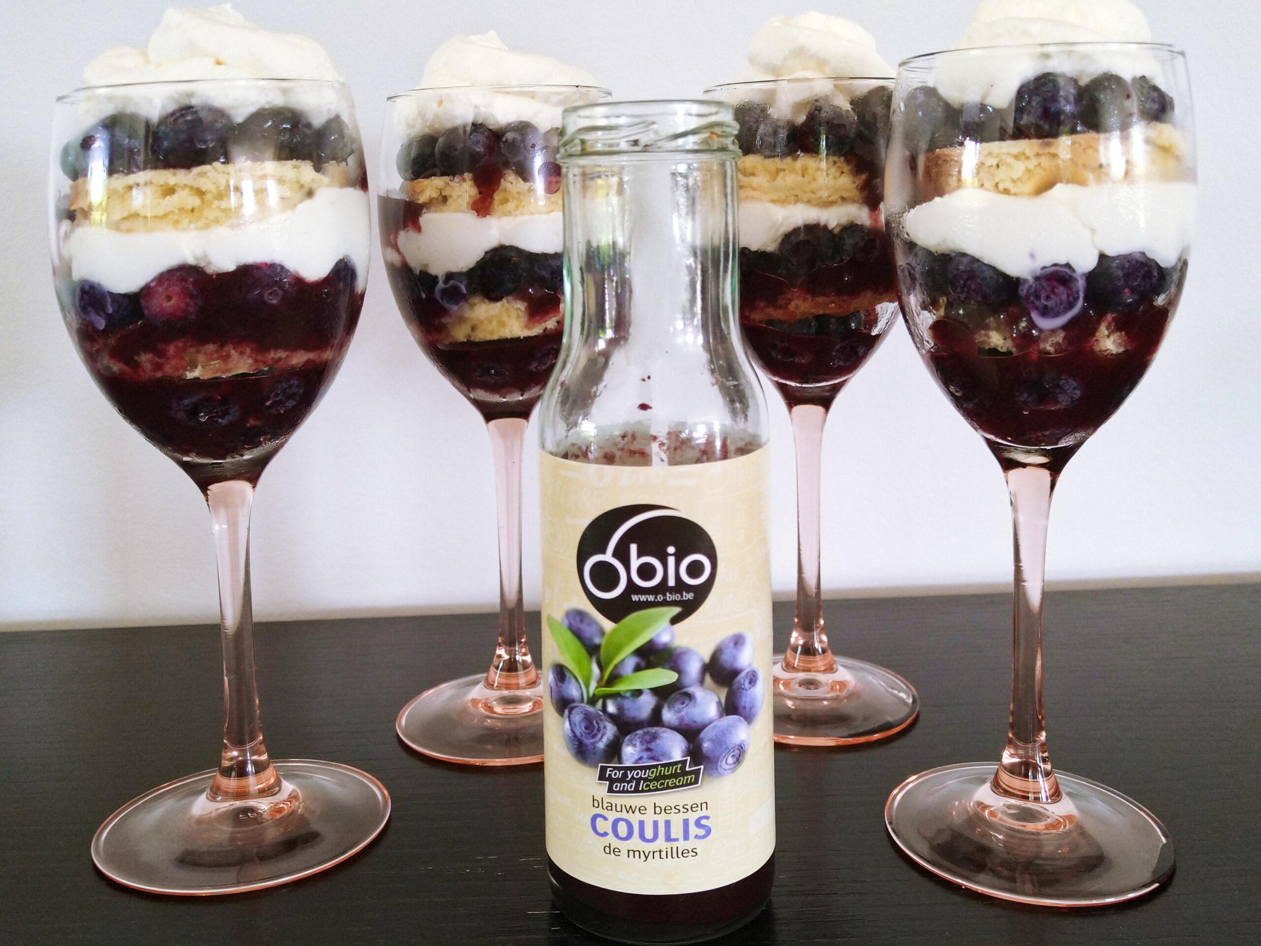 Trifle met O'bio blauwe bescoulis